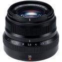 Fujifilm X-Pro2 + 35mm f/2.0, must