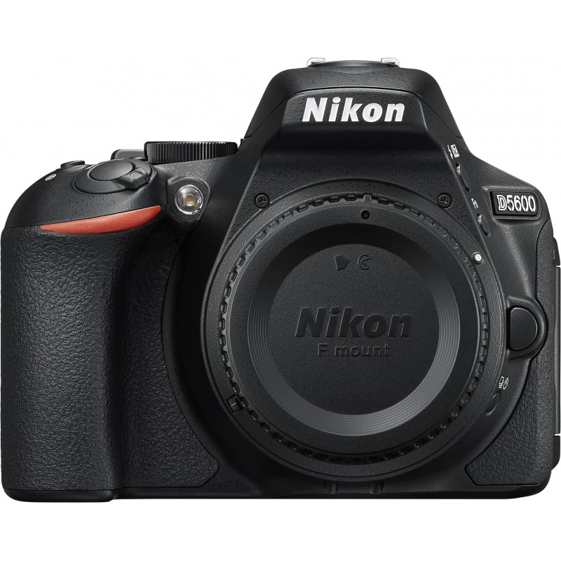 Nikon D5600 + 18-140mm AF-S VR Kit, must