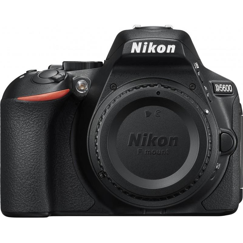Nikon D5600 + 18-105mm AF-S VR Kit, must