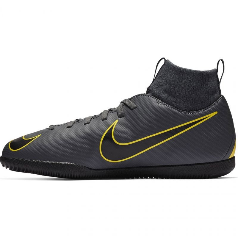 detailed look bfe22 1c63d Kids indoor football shoes Nike Mercurial Superfly X 6 Club IC Jr AH7346-070