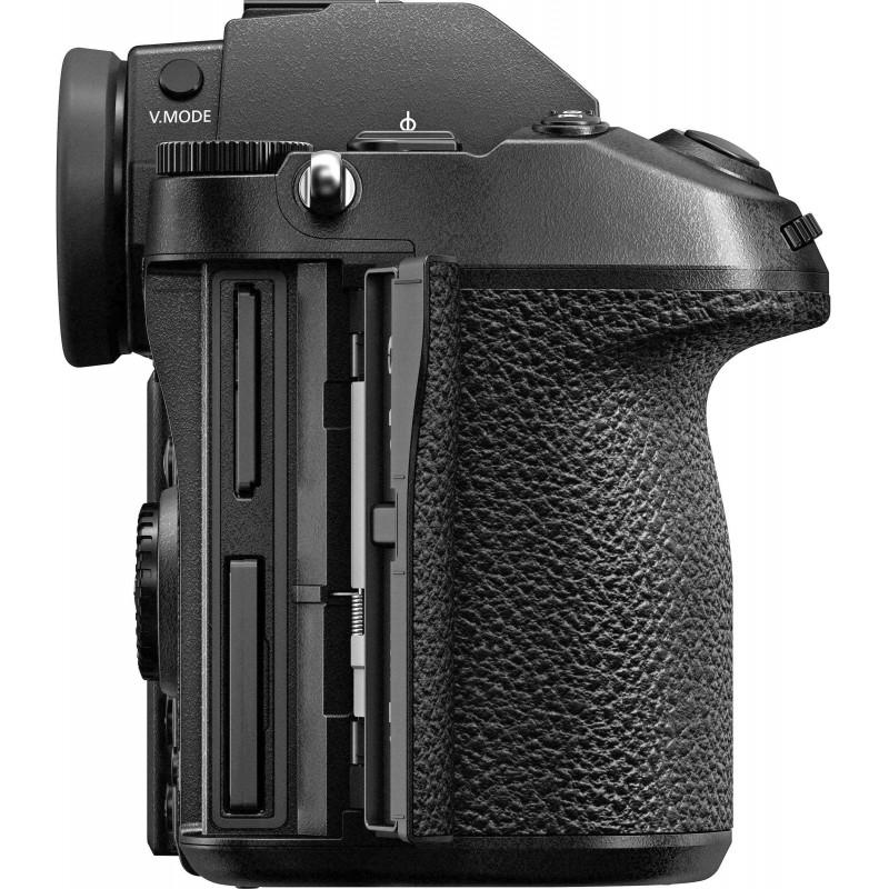 Panasonic Lumix DC-S1 + 24-70mm f/2.8 + 70-200mm f/2.8
