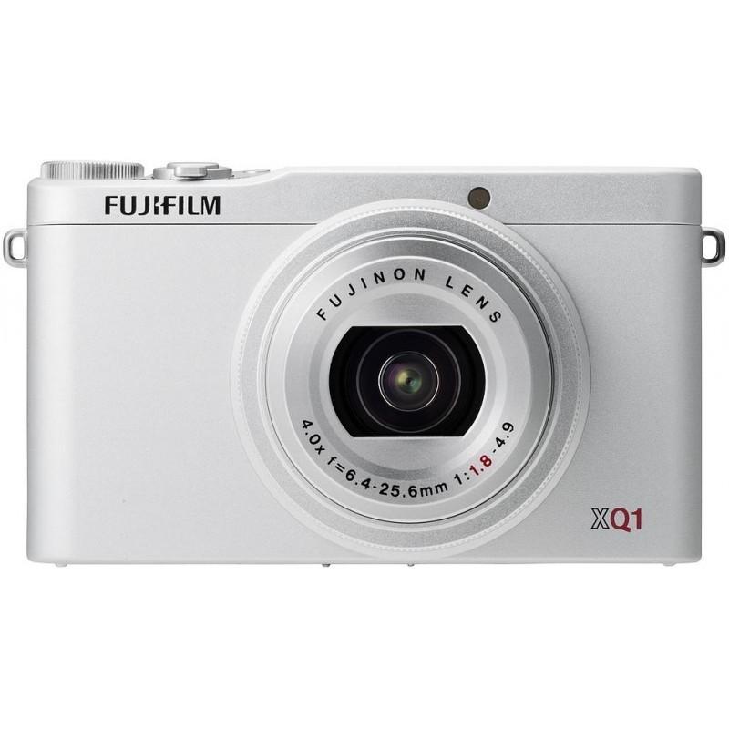 Fujifilm XQ1, hõbedane