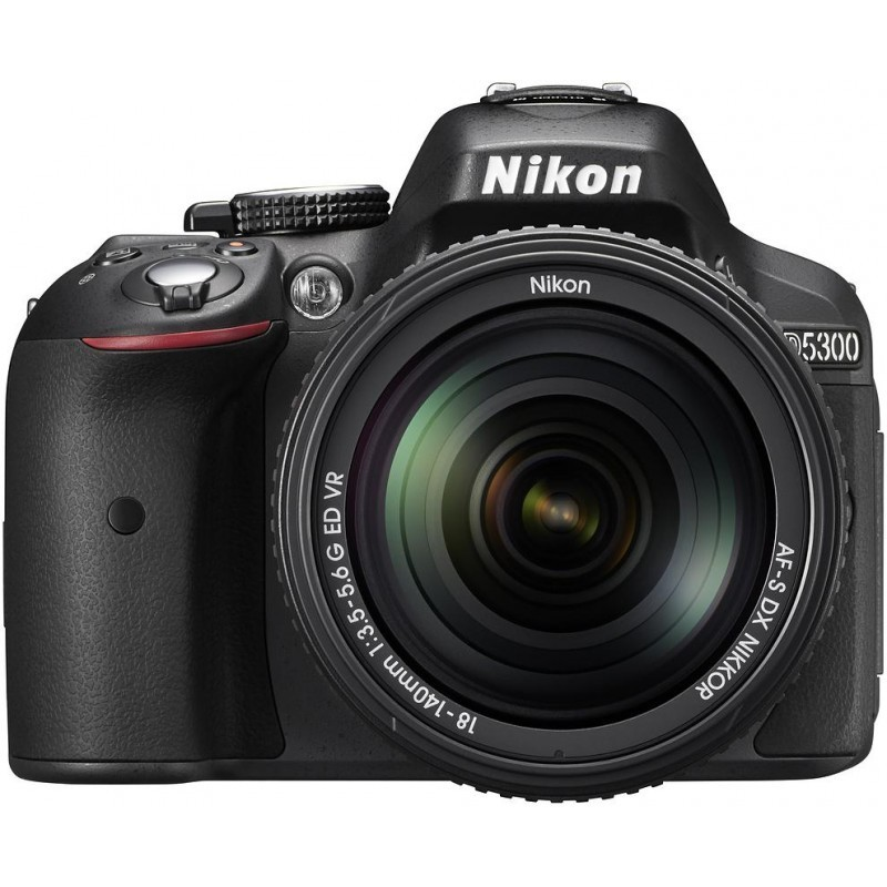 Nikon D5300 + 18-140mm VR Kit, must