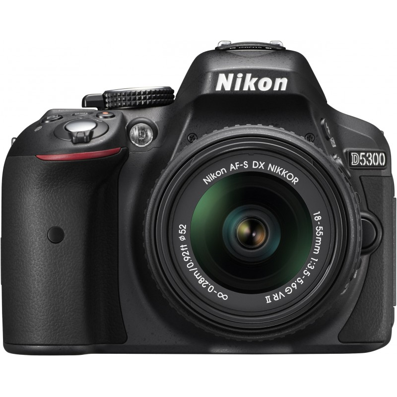 Nikon D5300 + 18-55mm VR II Kit, must