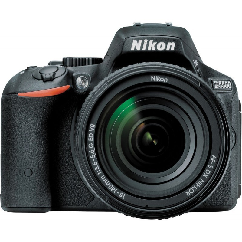 Nikon D5500 + 18-140mm VR Kit, must