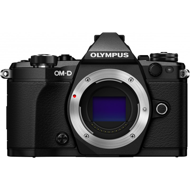 Olympus OM-D E-M5 Mark II + Tamron 14-150mm, must