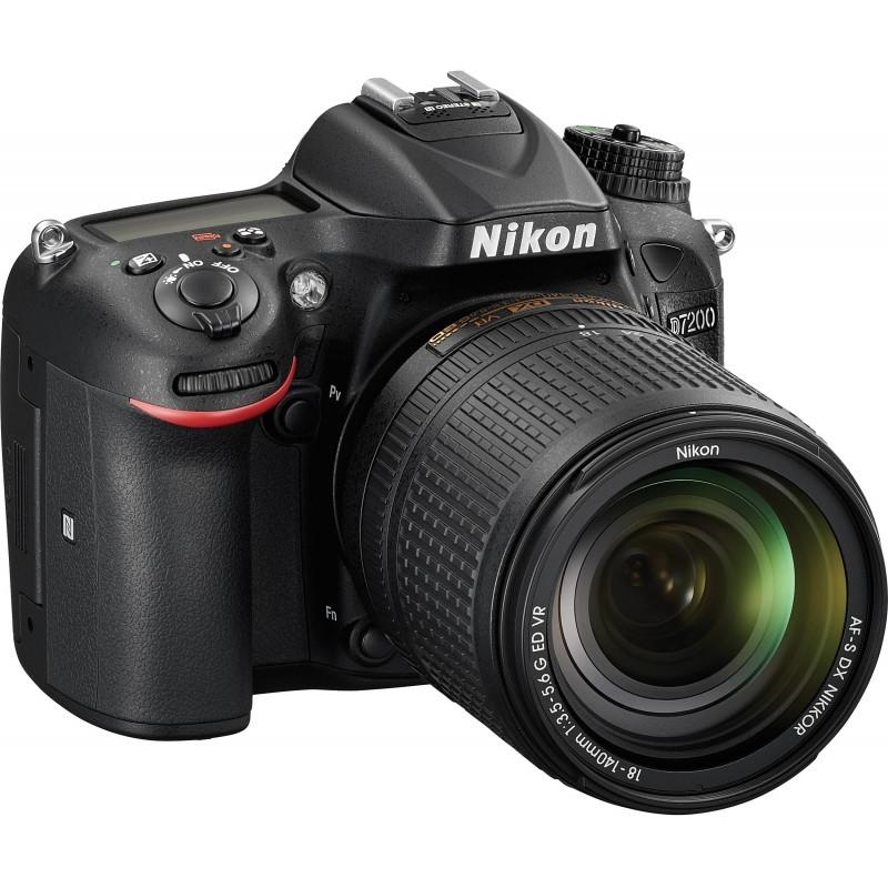 Nikon D7200 + 18-140mm VR Kit