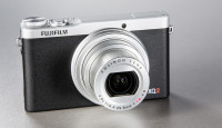 Что в коробке: компактная камера Fujifilm XQ2